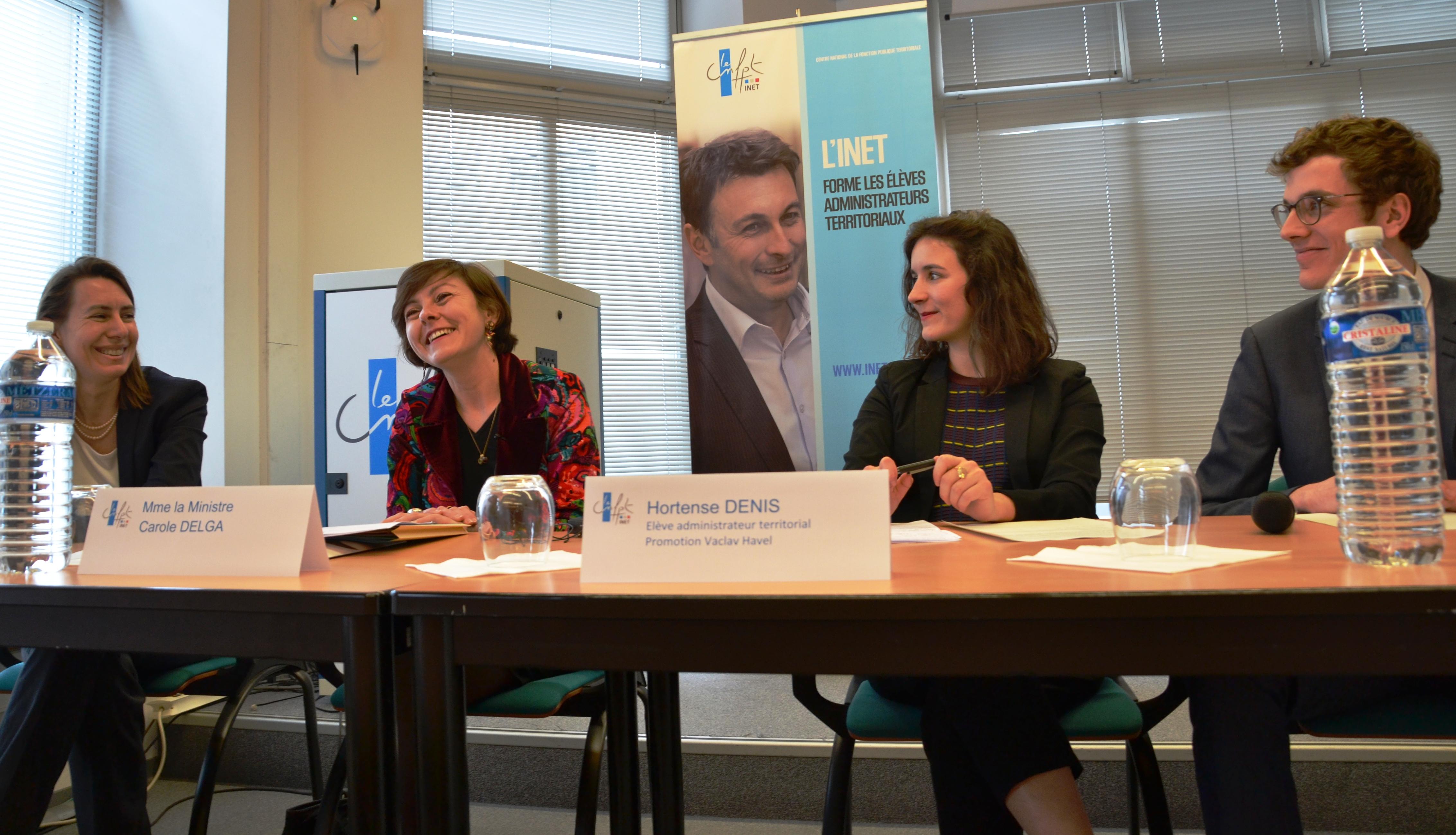 Économie sociale et solidaire : les élèves accueillent la secrétaire d'État Carole Delga