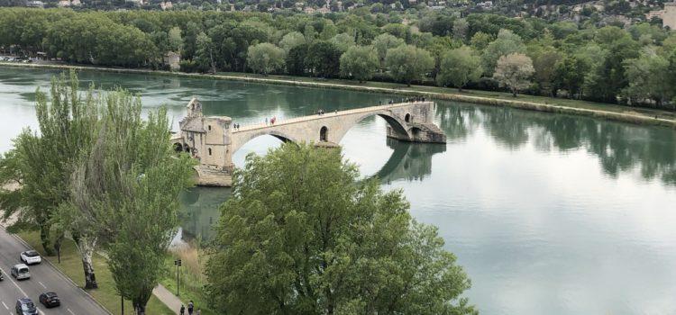 Dans Avignon j'ai couru